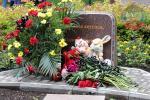 Цветы Донбасса, унесенные братскими снарядами...