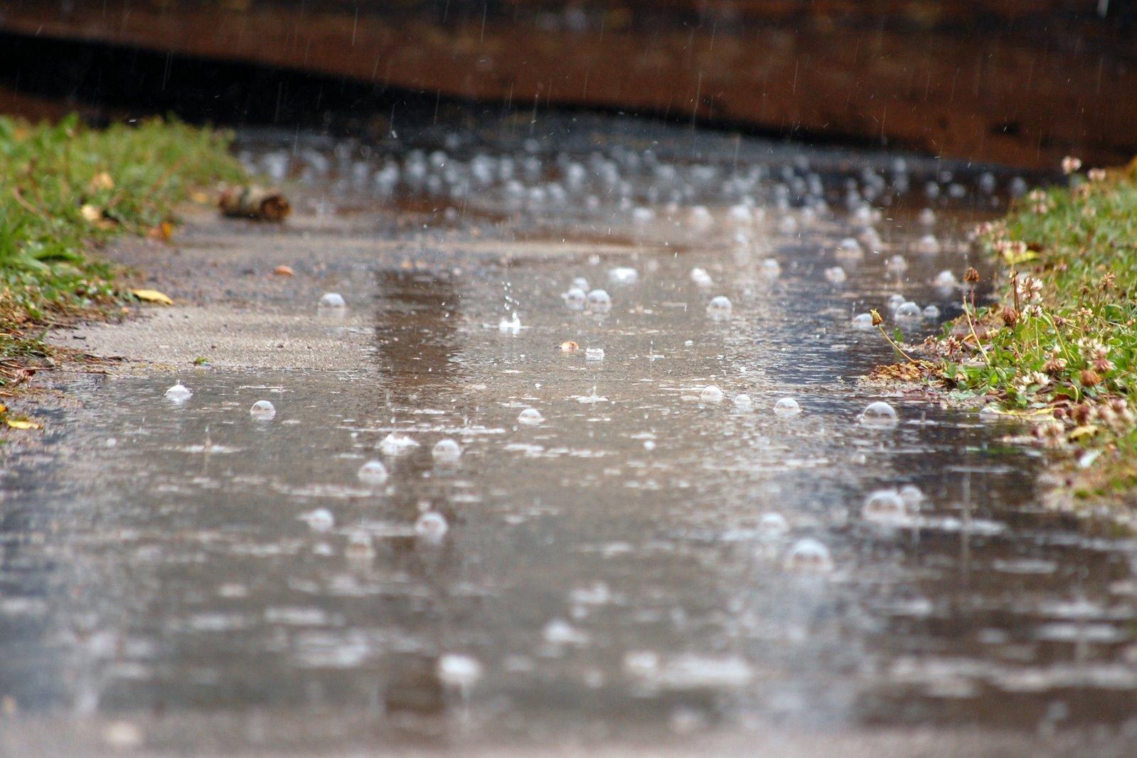 картинки с дождем и лужами связано поверьем, согласно